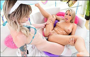 Lena Kelly is having a hot sex with Zoey Monroe