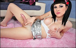 Bailey Jay exposing her body and dildoing her ass